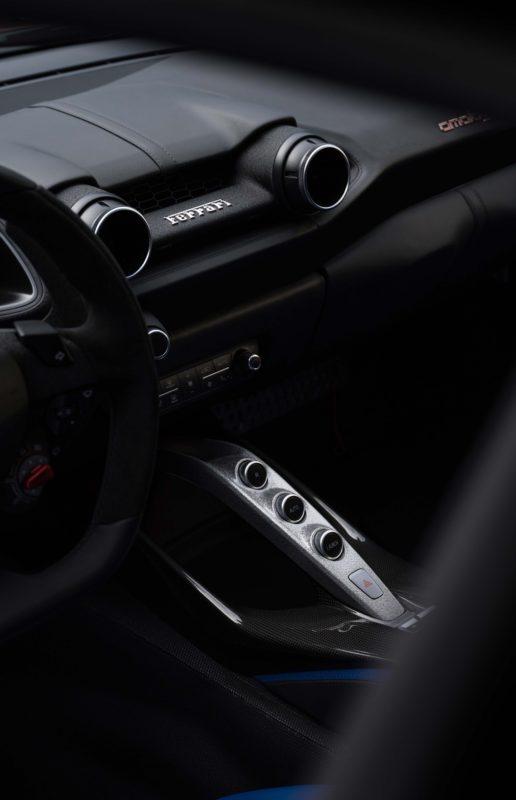 Ferrari_Omologata ワンオフモデル コックピット